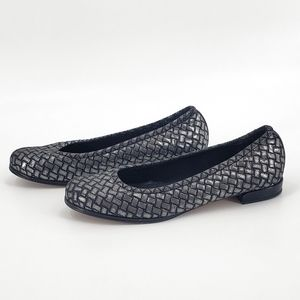 Stuart Weitzman Faux Weaved Metallic Shoes